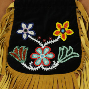 10727-4-woodlands-ojibwe-beaded-bag-floral